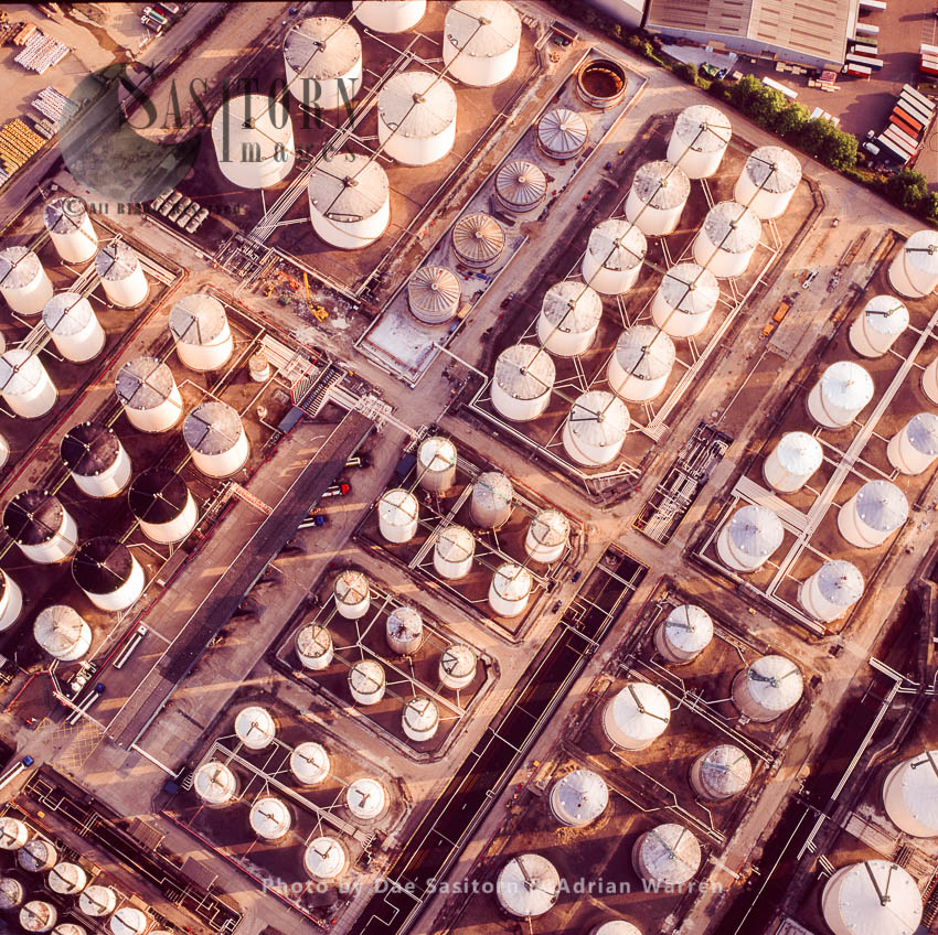 Oil Storage Depot, On The Estuary Of The River Thames, West Thurrock,  Essex, England