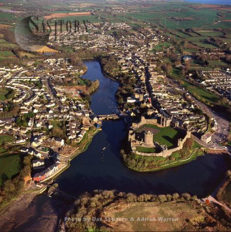 Pembroke Castle And Town), By The Tidal River Cleddau, Pembroke, South Wales