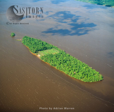 Little Island On  Essequibo River, Near Lanaballi, Guyana