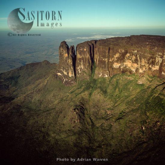 Mount Roraima, Southeast Corner And Towashing Pinnacle, Tepuis, Canaima National Park, Venezuela