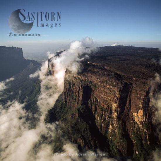 Eastern Cliff Of Mount Kukenaam (Kukenàn, Kukenan, Cuguenan), Tepuis, Canaima National Park, Venezuela