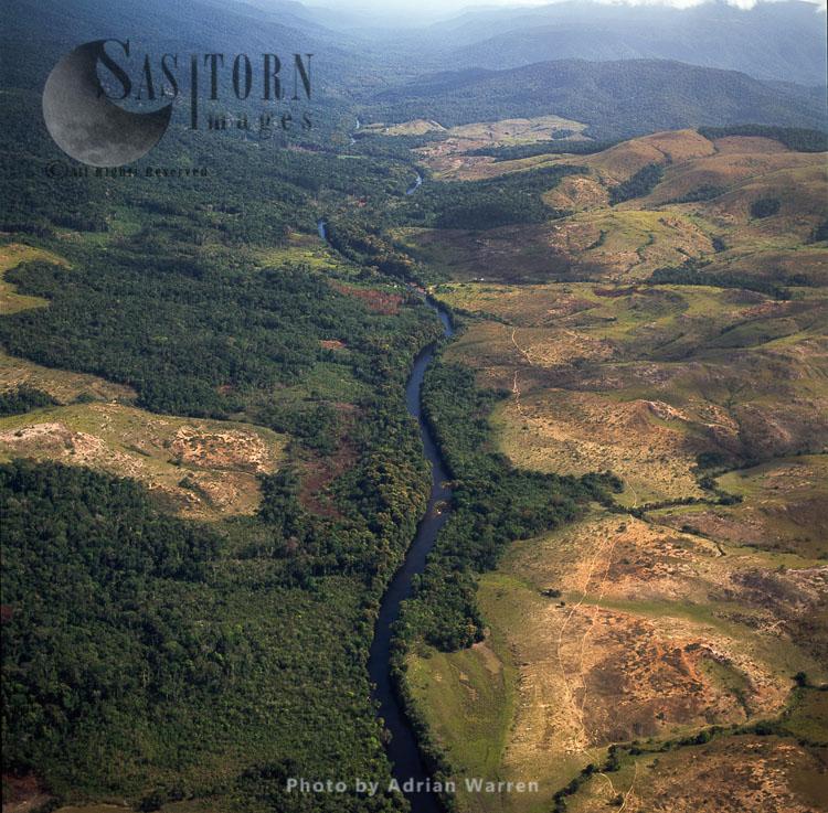 Ireng River (Rio Mau), South Of Ipichau, Rupununi District, Guyana
