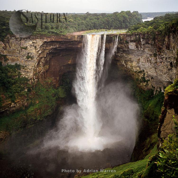 Kaieteur Falls In Dry Season, Potaro River, Kaieteur National Park, Amazon Rainforest, Potaro-Siparuni Region Of Guyana