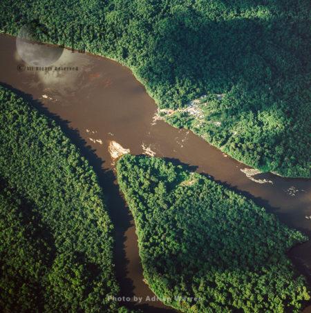 Mining Settlement Oranapai – Gold/Diamonds, On Lower Mazaruni River, With Rainforest, Guyana