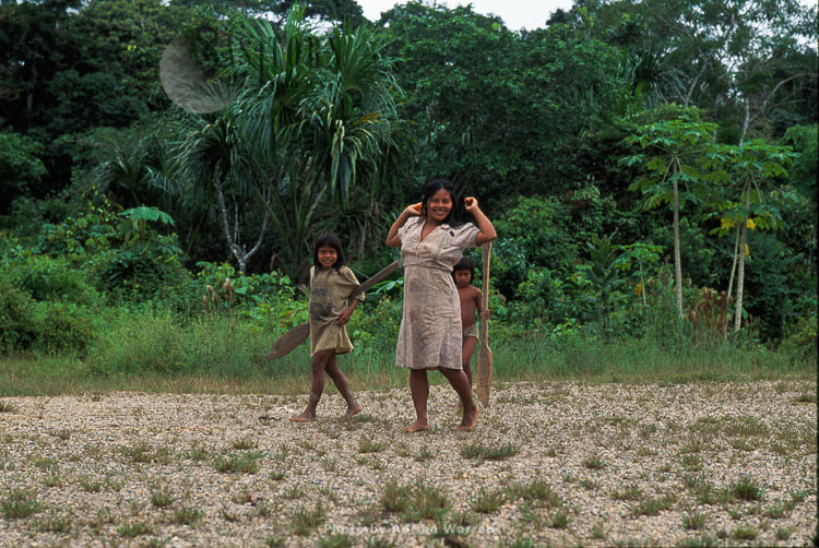 Waorani Indians, Mother And Children, Rio Cononaco, Ecuador, 1993