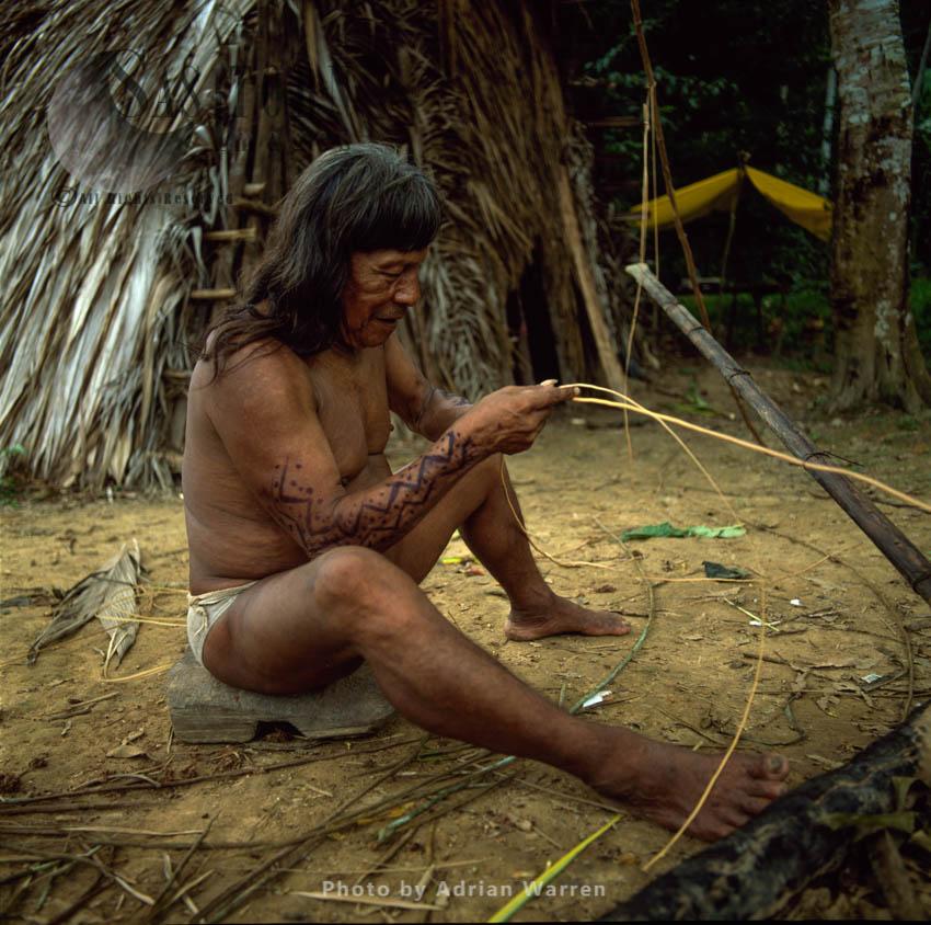Waorani Indians: Caempaede Making Blowgun, Rio Cononaco, Ecuador, 2002