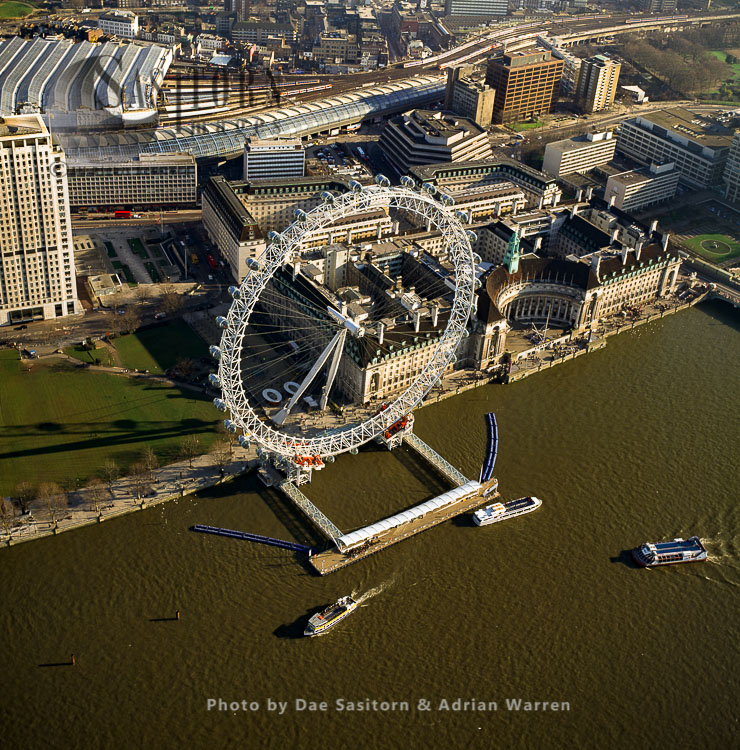 London Eye, Or  Millennium Wheel, An Observation Wheel On The South Bank Of The River Thames In London