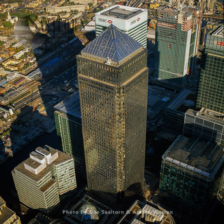 One Canada Square (second Tallest Building In The United Kingdom Form The Shard), And Other Highrise Buildings, Canary Wharf, London