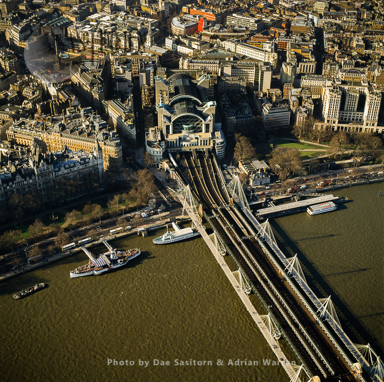 London Charing Cross, A Central London Railway Terminus And Hungerford Bridge, Westminster, London