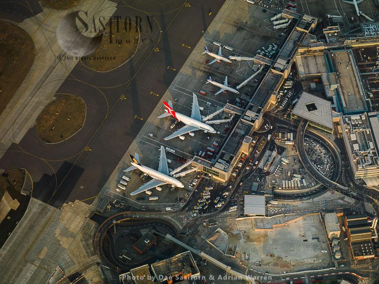 London Heathrow International Airport Terminal 2, Hayes, Middlesex