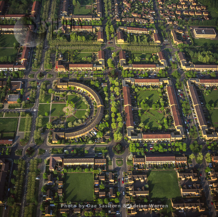 Milton Keynes, Shows Housing And Its Grid System, Buckinghamshire