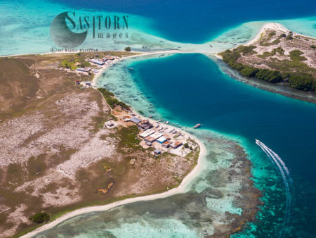 Cayo Pirata Connecting To Madrisqui, An Island In Los Roques Archipelago, Caribbean Sea, Venezuela