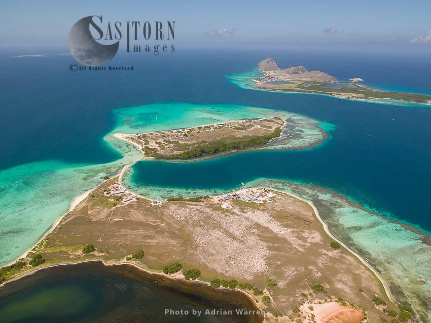 Cayo Pirata And Madrisqui, Islands In Los Roques Archipelago, Caribbean Sea, Venezuela