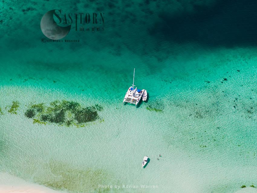 Boats On An Area Between Muerto And Nrdisqui Islands,  Los Roques Archipelago, Caribbean Sea, Venezuela