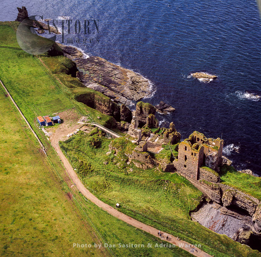 Castle Sinclair & Girnigoe, North Of Wick On The East Coast Of Caithness, Scotland