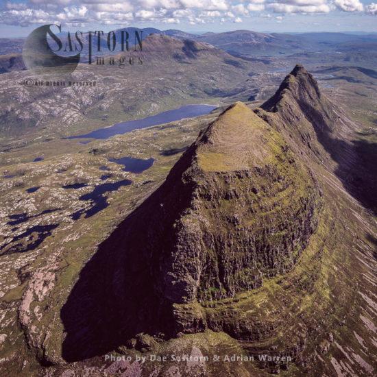 Suilven (Torridonian Sandstone, Sitting On A Landscape Of Lewisian Gneiss), Northwest Of Sutherland, Highlands, Scotland