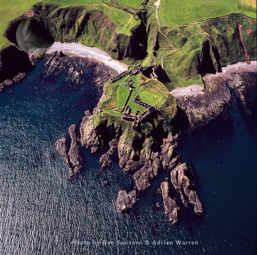 Dunnottar Castle, Medieval Fortress, On A Precipitous Rocky Headland, Near Stonehaven, Lowlands, Scotland
