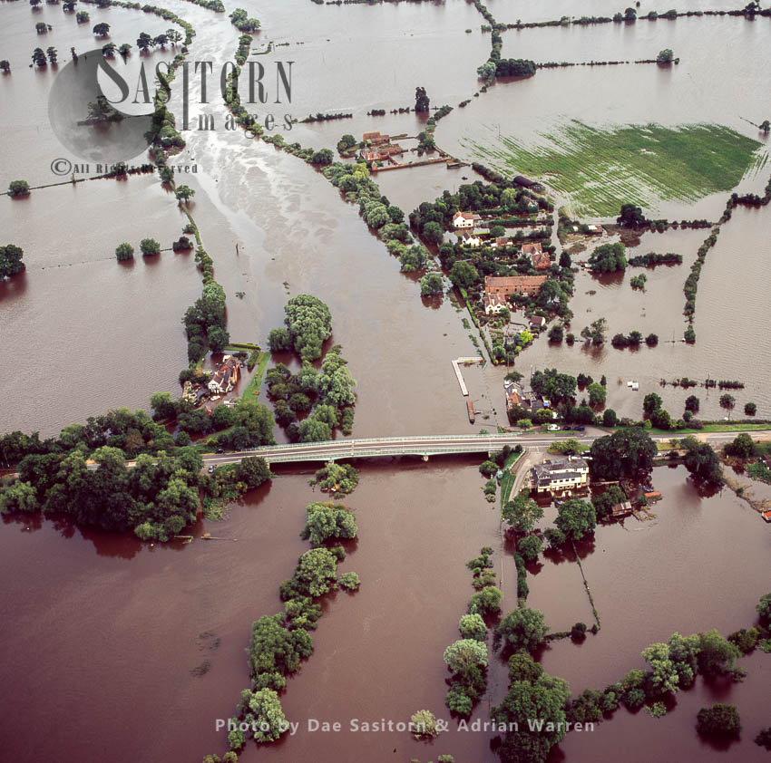 Flooding In Tirley, Near Tewkesbury, 2007, From River Severn And River Avon, Gloucestershire, England