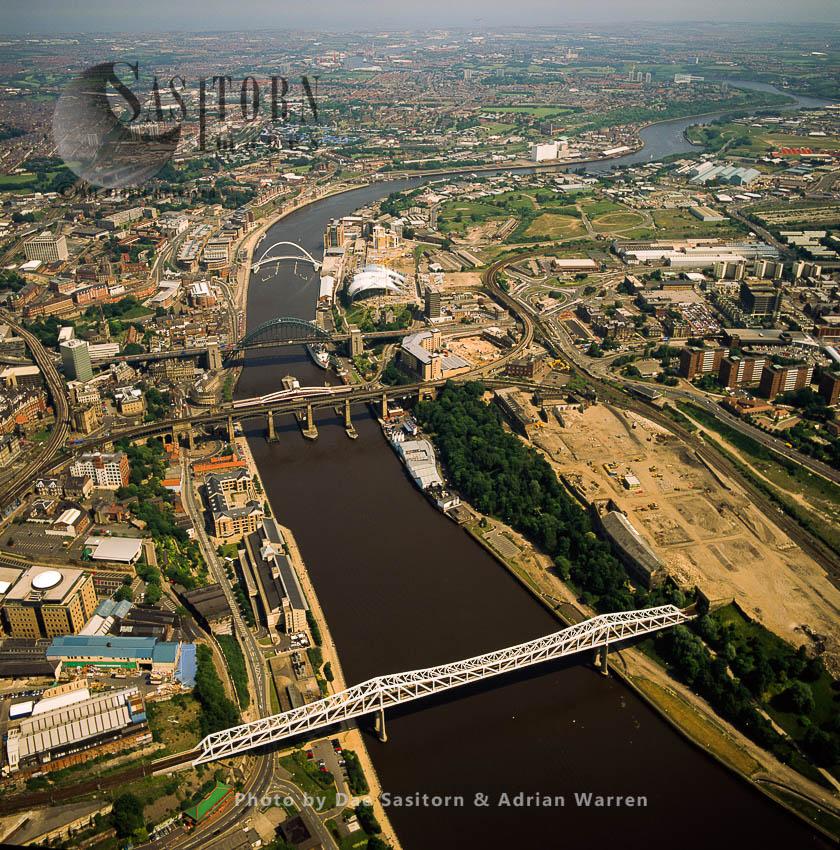 Newcastle-upon-Tyne, On The River Tyne, North East England
