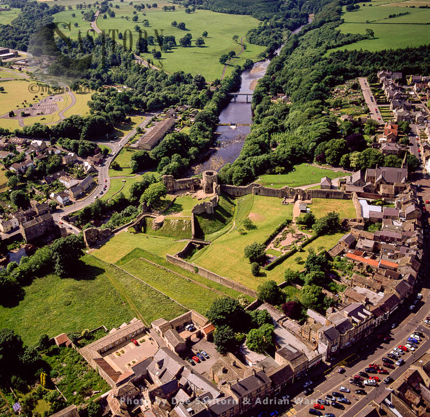 "Barnard Castle, A Castle And A Market Town, On The North Bank Of River Tees, Teesdale, Durham"",1,1,visible,,Barnard Castle"