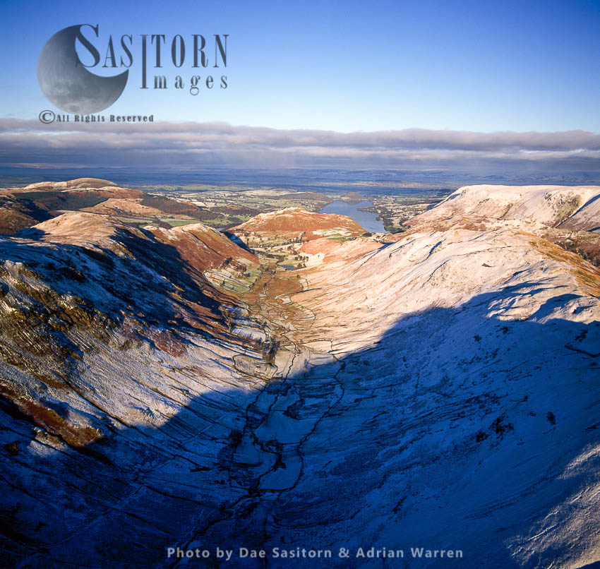 Derwent Fells, Mountain Ridges In Snow, Lake District, Cumbria, England