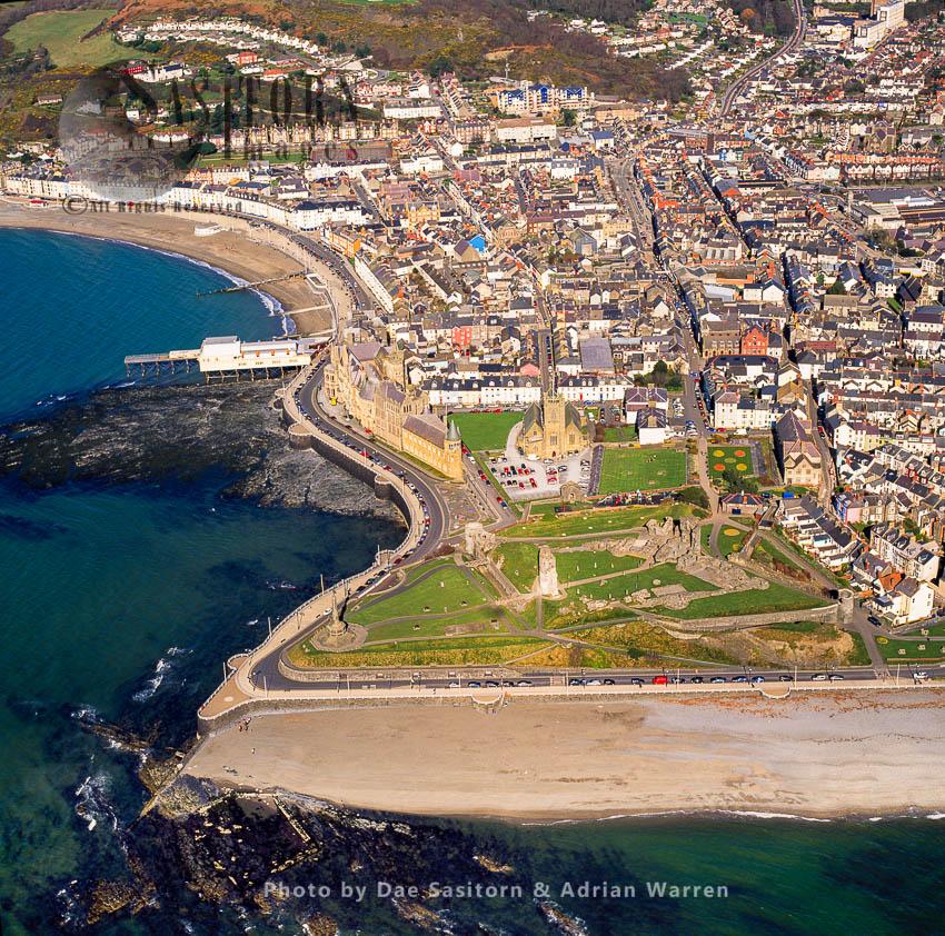 Aberystwyth Castle, A Grade I Listed Edwardian Fortress Located In Aberystwyth, Ceredigion, Mid Wales