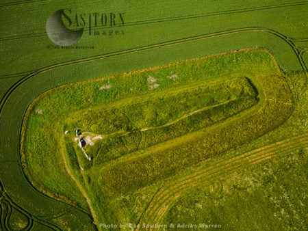 West Kennet Long Barrow,  A Neolithic Tomb Or Barrow, Near Avebury, Wiltshire