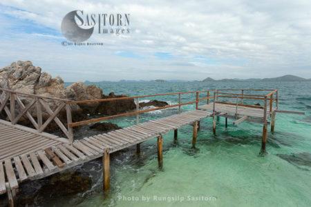 Beautiful Beach And White Sand Koh Kham Or Kham Island, Sattahip, Samaesarn, Chonburi, Thailand.