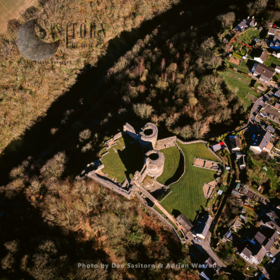 Cilgerran Castle, A 13th-century Ruined Castle, On A Rocky Promontory Above The River Teifi, Cilgerran, Pembrokeshire, South Wales