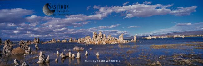 Soda Towers, Mono Lake, Sierra Nevada Mountains, California, USA