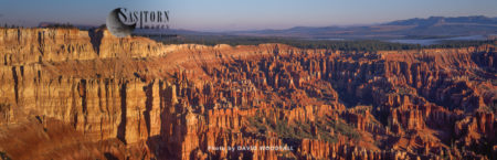 Crimson-colored Hoodoos, Spire-shaped Rock Formations, Bryce Canyon National Park, Utah, USA