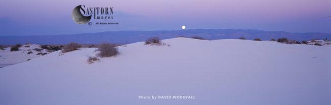 Full Moon, Gypsum Desert Dune, White Sands National Monument, New Mexico, USA