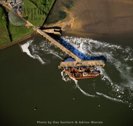 Old Trawlers, Near Sewage Works, Orwell Bridge, On The Estuary Of The River Orwell, Norfolk