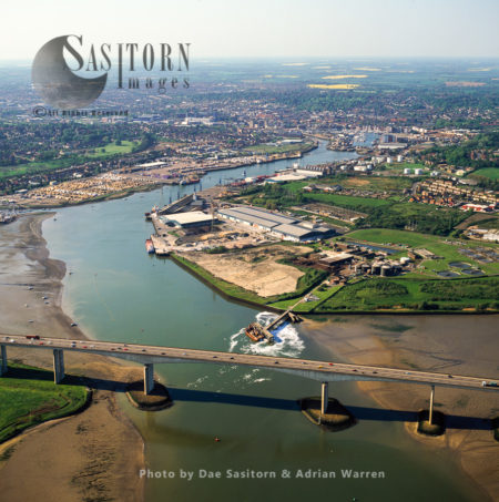 Orwell Bridge, On The Estuary Of The River Orwell, Norfolk