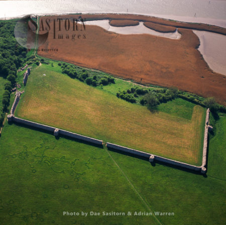 Burgh Castle, The Site Of Garrianonum, One Of Several Roman Forts Constructed To Defence Against Saxon. In Norfolk