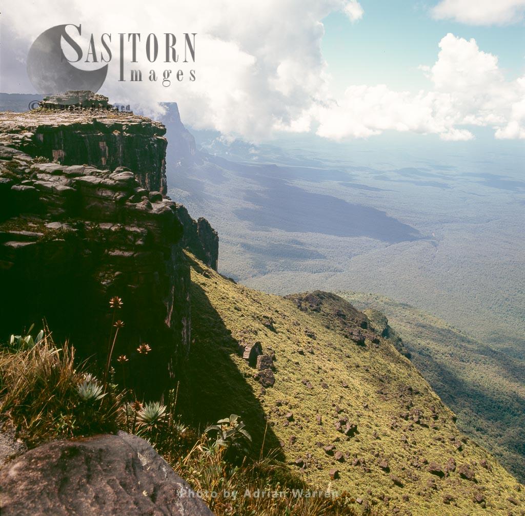 View towards East face of Kukenan from Roraima summit, Tepuis, Canaima National Park, Estado Bolivar, Venezuela