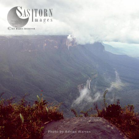 View Across To Kukenan From Cliff Edge Mount Roraima Summit, Tepuis, Canaima National Park, Venezuela
