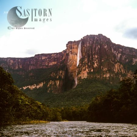 View Of The Angel Falls And Auyantepui From Churun River, Canaima National Park, Venezuela