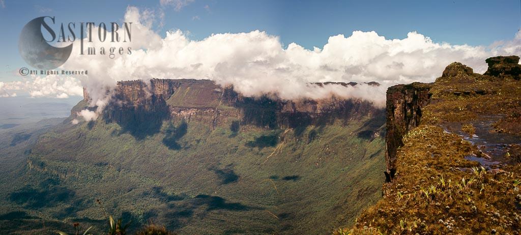 View across to Kukenan from cliff edge of Roraima summit, Tepuis, Canaima National Park, Venezuela