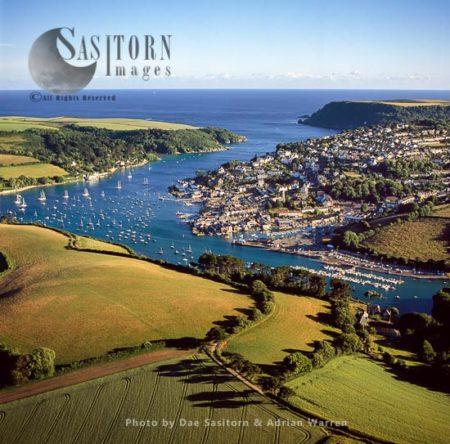 Kingbridge Estuary And Salcombe Over Snapes Point. Devon