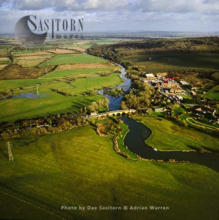 Swinford And The River Thames Near Eynsham, Oxfordshire