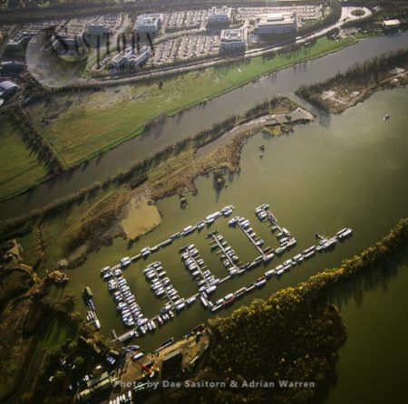 Kennet Marina And The River Thames, Eastern Side Of Reading, Berkshire,