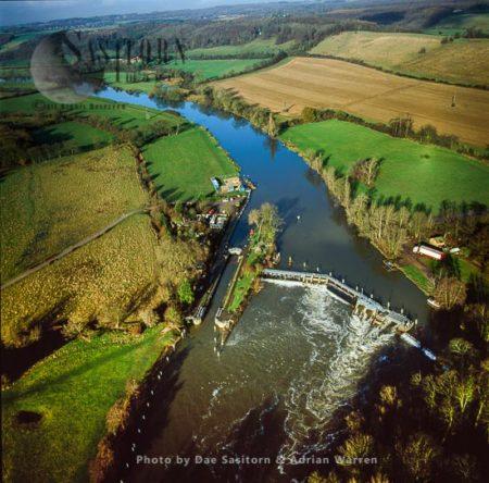 Marpledurham Lock And Weir On The River Thames, Marpledurham  Near Reading, Oxfordshire