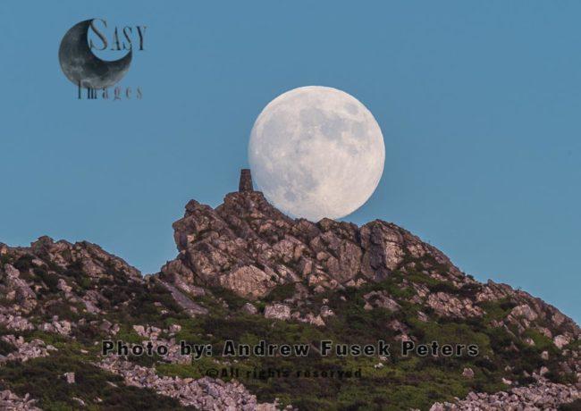 Moonrise Over Manstone Rock Stiperstones